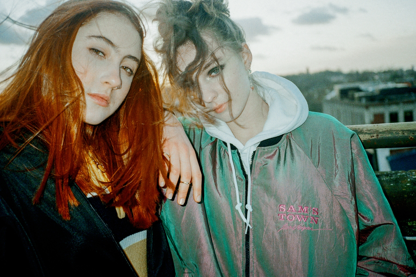 LetsEatGrandma_Press2_Charlotte-Pattmore.jpg